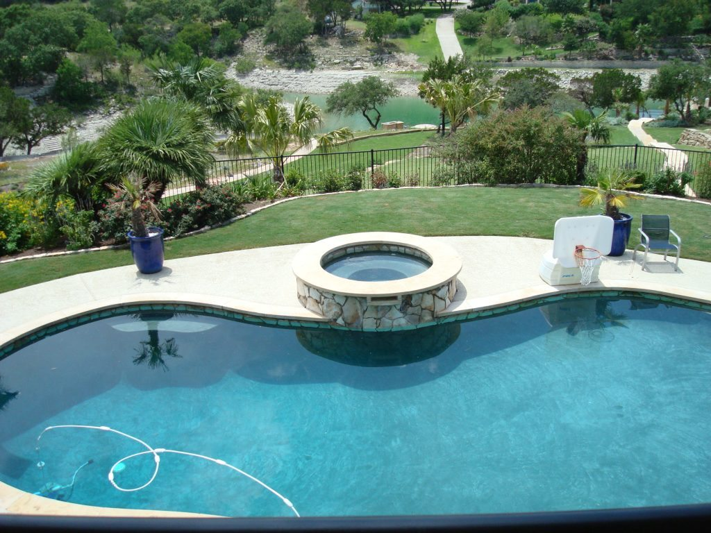 6Before-Pool-spa-renovation-modernize-spa-Austin-Texas